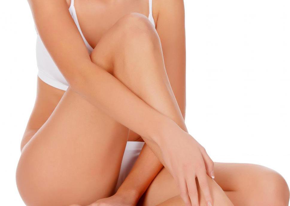 Эпиляция бикини - это способ поддержания гладкой кожи между сеансами удаления волос.