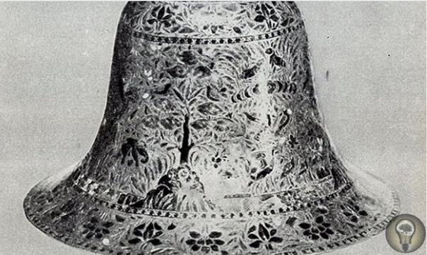 Неуместный артефакт: сосуд, которому 500 миллионов лет После взрыва скалы в Дорчестере, Массачусетс (США) в 1852 г. был найден металлический сосуд. После этого открытия возникли вопросы: как
