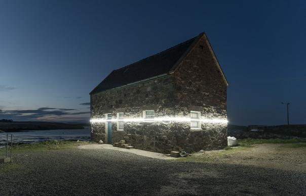 Художники показали, насколько повысится уровень моря в результате глобального потепления Во время приливов на Гебридских островах, расположенных у западного побережья Шотландии, загораются три