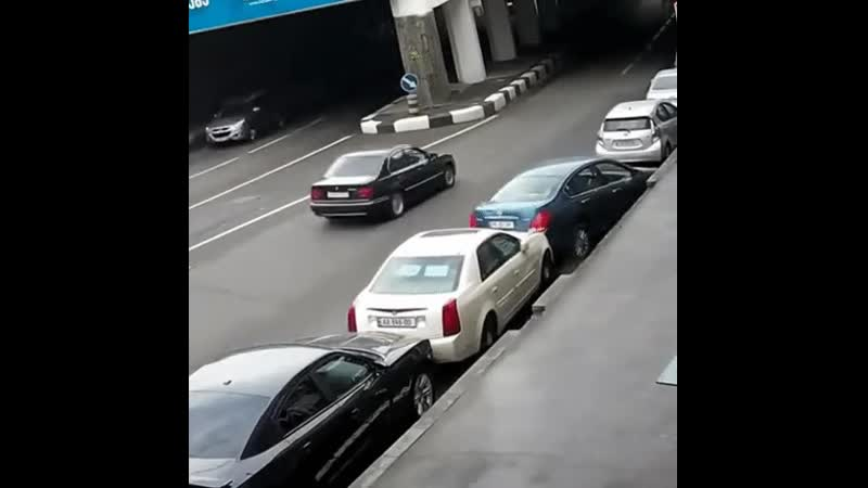 Парковка,нее незнаем.....