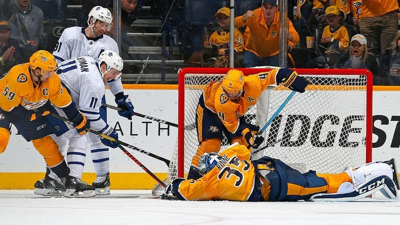 Pekka Rinne robs Tavares with incredible sprawling blocker save