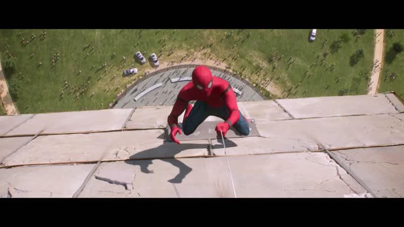 Человек-Паук спасает друзей из падающего лифта. Человек-Паук Возвращение домой