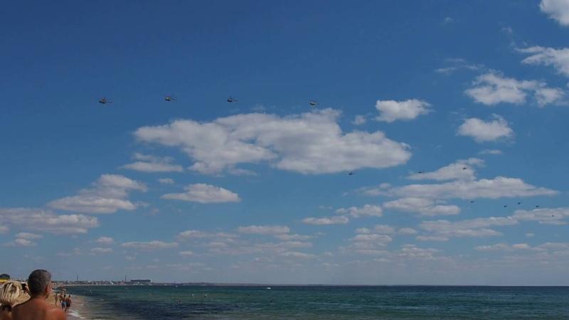 Вертолеты на учениях в Крыму Helicopters during military training in Crimea