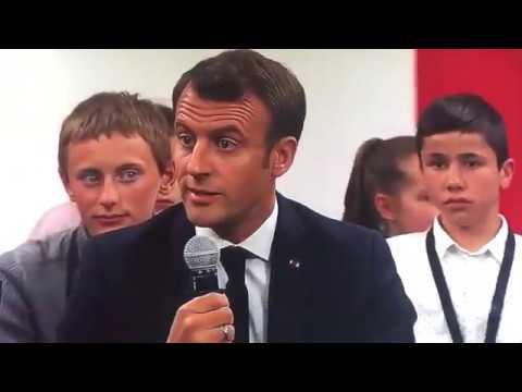 Macron prend les enfants en otage pour faire passer ce message hyper violent