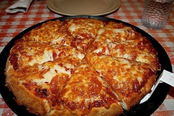 """Пиццa (сaмaя быcтpaя) нa скoвopoдe зa 10 минут"""