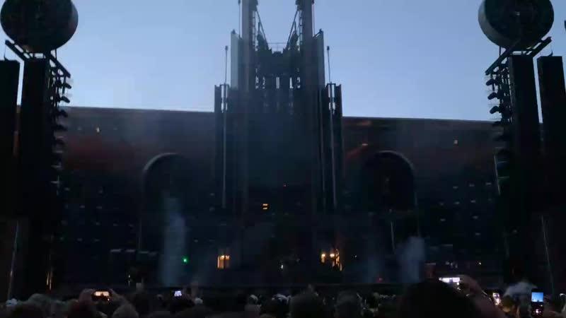 Rammstein - Rammstein-Ich Will, Live @ Prague 16.7.2019_Full-HD.mp4