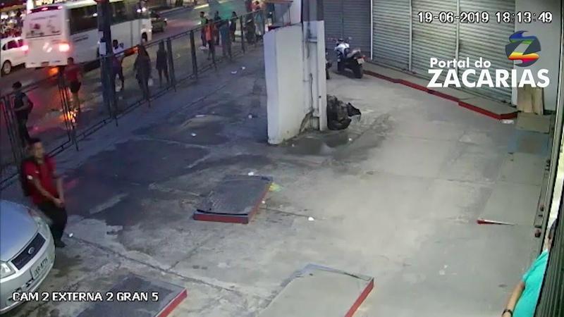 Assaltantes matam a tiros um sargento da Polícia Militar e fogem na Zona Leste de Manaus.