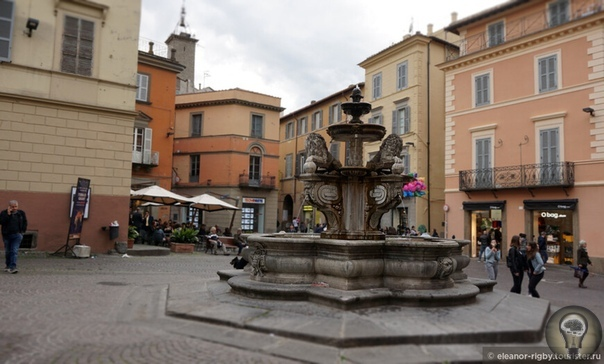 Возвращение в Тоскану. По дороге в Тоскану через Лацио. Витербо О существовании Витербо я узнала совсем недавно, когда совместными усилиями нашей славной команды был проложен маршрут от