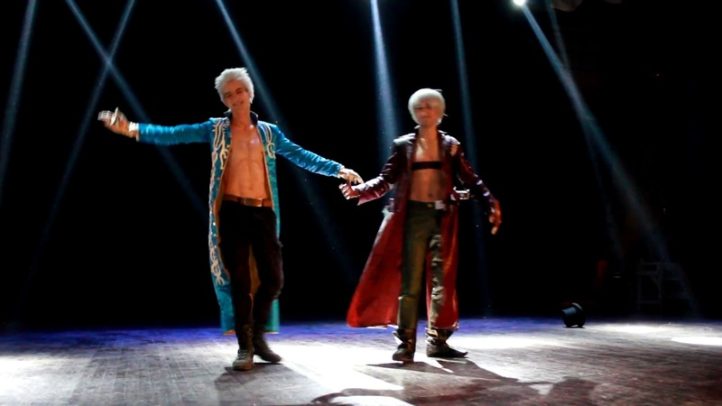 Devil May Cry Dante and Vergil Cosplay at CosplayRush21