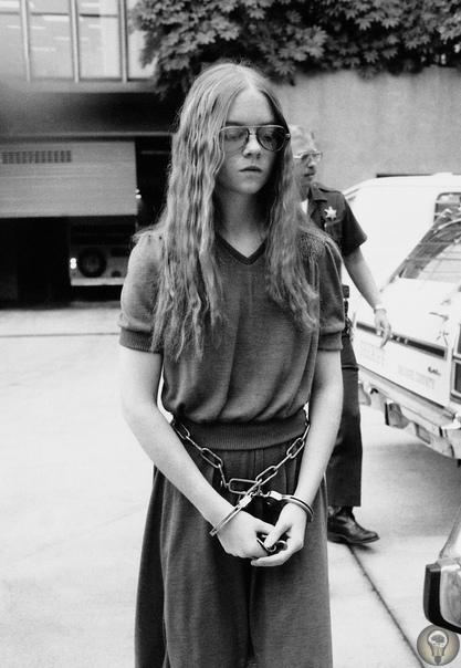 Арестованная 16-летняя девушка, открывшая стрельбу в начальной школе Сан-Диего, 1979 год