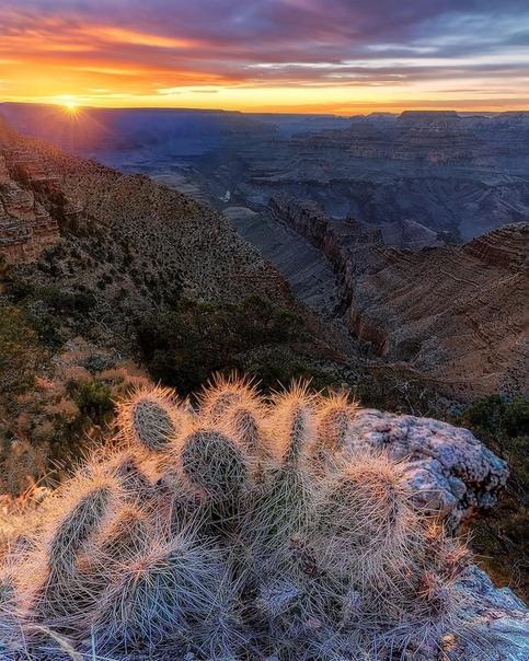 Закат над Гранд Каньоном, Аризона, США