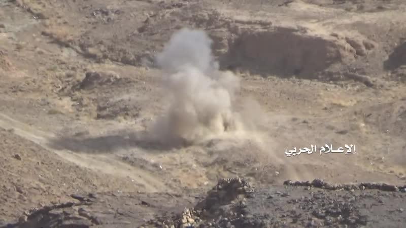 Хуситы добили подбитый Cougar армии Хади в районе Нихм.