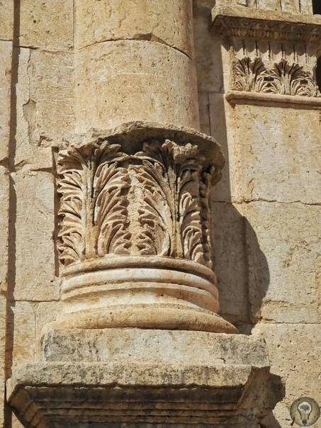 Древний город Джераш Те, кто читал Библию не только с религиозной точки зрения, но и с исторической, наверняка помнят новозаветные тексты, где говорится оДекаполисе (десятиградье)где когда-то