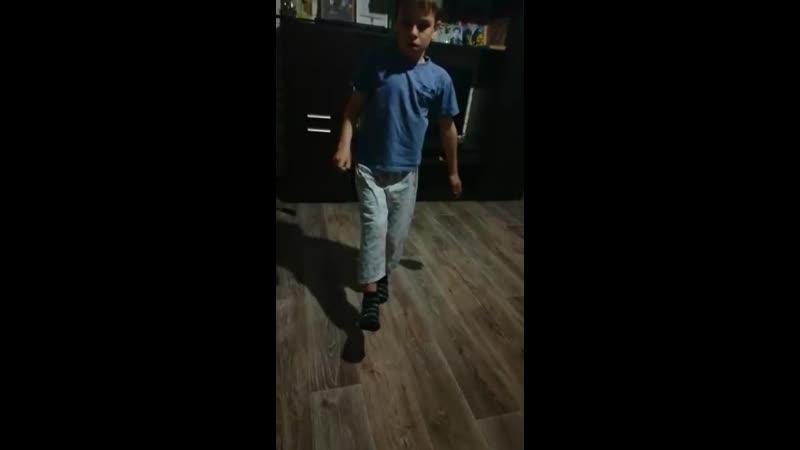 Наливкин Руслан Приседания на одной ноге