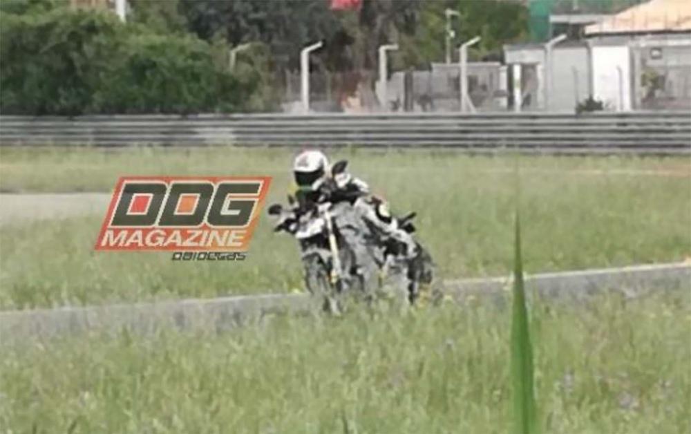 Ducati Streetfighter V4 засветился на треке