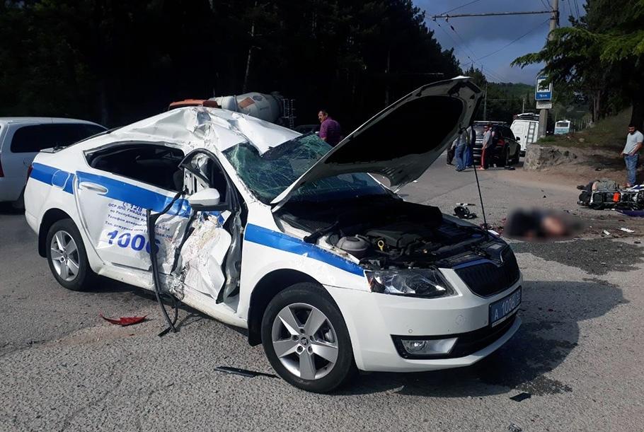 Мотоциклист врезался в автомобиль ДПС (4 мая, Крым)