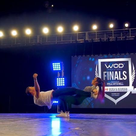 "Danceflavors on Instagram ""Rate their performance 1️⃣-🔟 . 𝗙𝗢𝗟𝗟𝗢𝗪 👉@danceflavors 🔥 TURN ON 𝗣𝗼𝘀𝘁 𝗡𝗼𝘁𝗶𝗳𝗶𝗰𝗮𝘁𝗶𝗼𝗻𝘀 🙏 . Dancers @luka.jenalyn Video @w..."