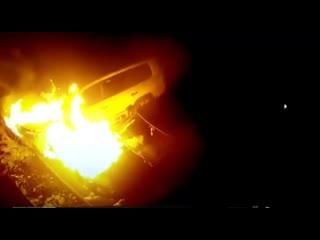 Мужчина в Бийске поджог Toyota Land Cruiser 200 и УАЗ Патриот