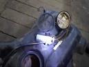 АВТОПРИКОЛ! Установка бензонасоса в самопальный Корпус замеры давления топлива. Приколы на СТО.