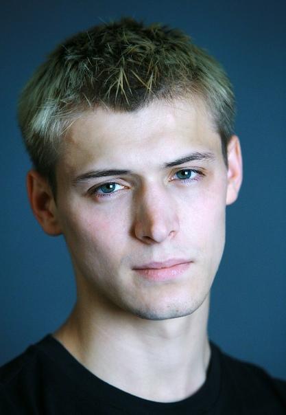 actor Константин Давыдов. Давыдов Константин Александрович (родился 20 июля 1990 года) - российский актер театра и кино. Биография. Детство и юность. Родился в провинциальном подмосковном