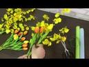 Подарочный букет из искусственных тюльпанов и онцидиумов