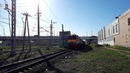 Тепловоз 2М62-1042 с грузовым поездом