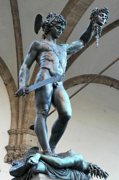 БЕГВЕНУТО ЧЕЛЛИНИ - ЮВЕЛИР-РЕЦИДИВИСТ Бенвенуто родился в конце 1500 года. Его отец хотел видеть сына музыкантом, но мальчик, завороженный блеском золота и драгоценных камней, пошел в ученики к