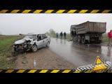 В Алматинской области Daewoo Nexia врезалась лоб в лоб со стоящим КамАЗ