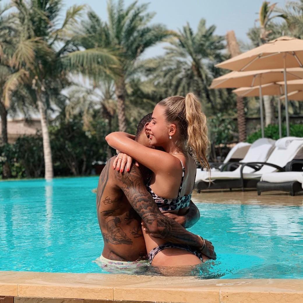 Луис Адриано со своей девушкой Екатерина Дорожко