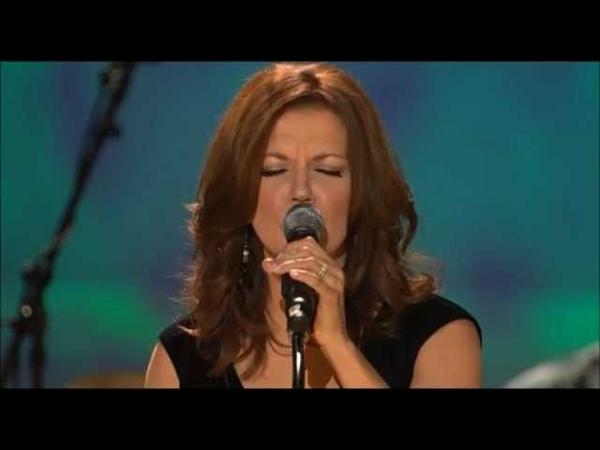 Martina McBride – Til I Can Make It on My Own (Live)