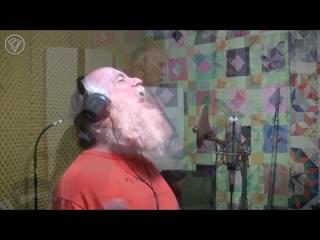 - дедуль, споешь мне песенку?  - да не вопрос!  the trooper (iron maiden vocal & guitar cover)