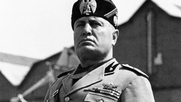 ПРИЗНАНИЕ СССР: КАК МАКДОНАЛЬД НАДУЛ МУССОЛИНИ Как это ни парадоксально, воинствующий национализм и антикоммунизм Бенито Муссолини с самого начала гармонично совмещались с реверансами в
