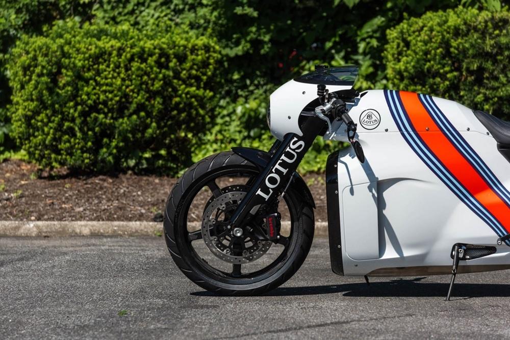 Редкий мотоцикл Lotus C-01 продадут с аукциона