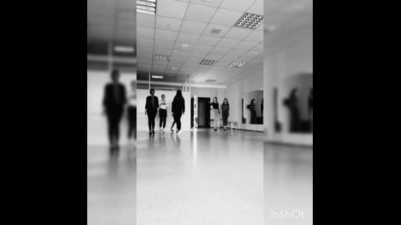 Тренировки дефиле в агентстве МОДЕЛЕЙ Хилтон моделс