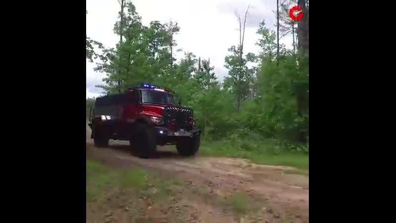 Внедорожная пожарная машина Bulldog 4x4