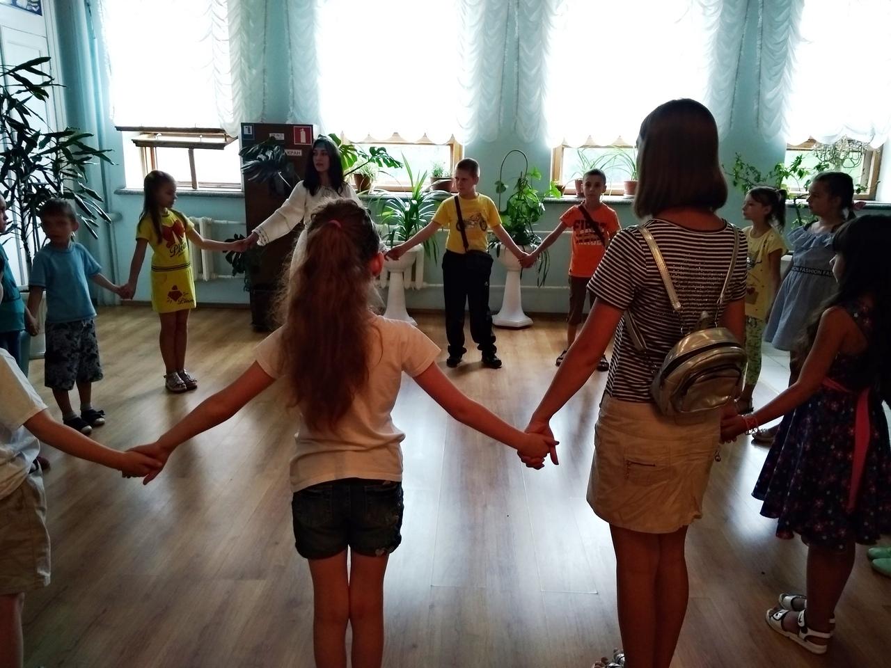нескучный выходной, Донецкая республиканская библиотека для детей, лето в библиотеке, фольклорный праздник