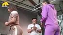 В России прошел чемпионат по шлепкам по попе среди девушек.