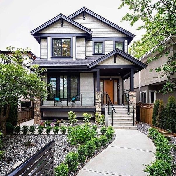 Идеальный дом с небольшим молодым садом Очень уютно!