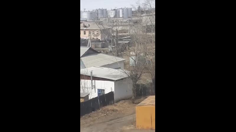 Тракторы разгребают мусор на зенитке, после ролика Варламова.mp4