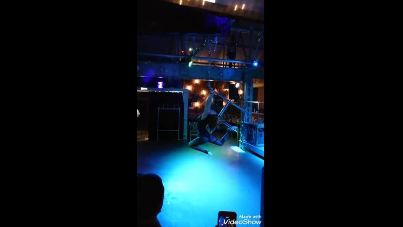 Aerial chair, воздушная гимнастика