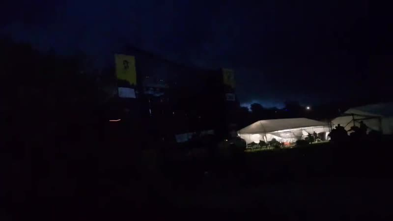 «Творится жесть» смерть и паника на украинском рок-фестивале  В результате грозы, которая началась во время рок-фестиваля KOZAK