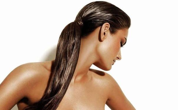 Зачем увлажнять волосы и чем это лучше делать