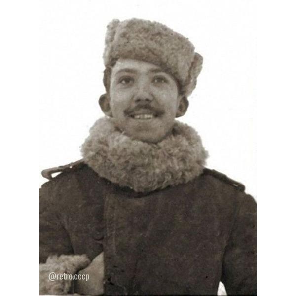 Фронтовые фото и награды Юрия Никулина .Спасибо за и подписку !.Юрий Никулин был призван в армию 18 ноября 1939 года. Во время советско-финской войны зенитная батарея, где он служил, находилась