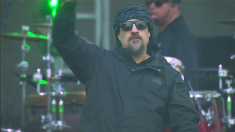 Американская группа Cypress Hill исполнили Hits from the Bong на California Roots Music Arts Festival 2019. (25 мая 2019 г.)