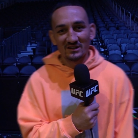 UFC Russia on Instagram: Макс @BlessedMMA Холлоуей передаёт привет российским фанатам! UFC240