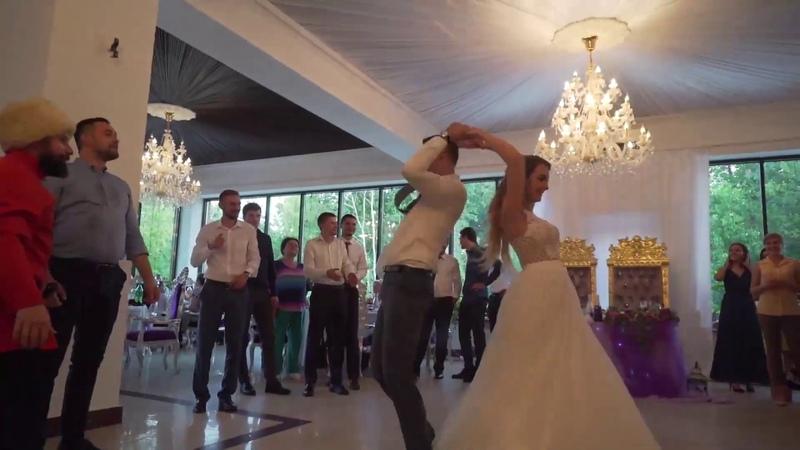 Русские танцы на свадьбе