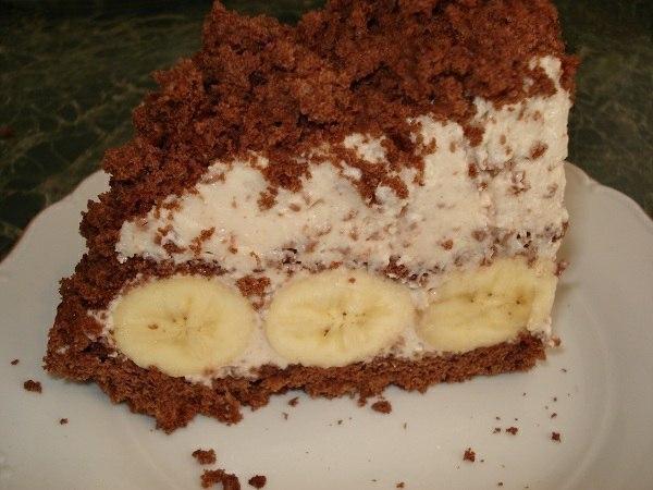 "Торт ""Крот"", он же ""Норка крота"" или ""Бананы в снегу""."