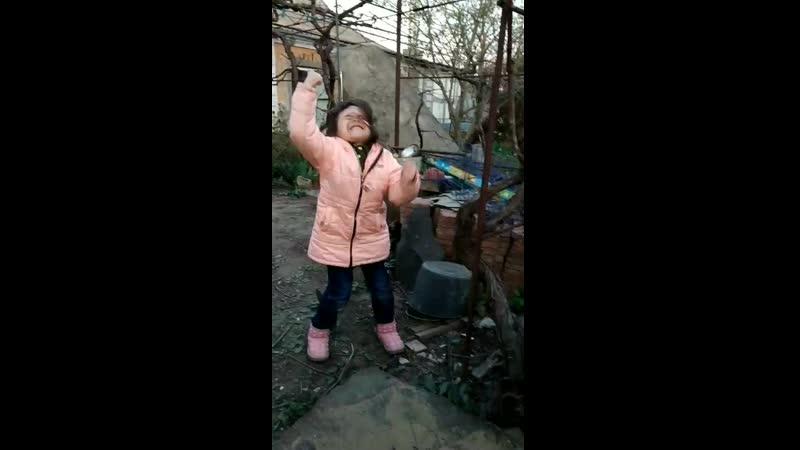 как отрывается моя милая дочурка))