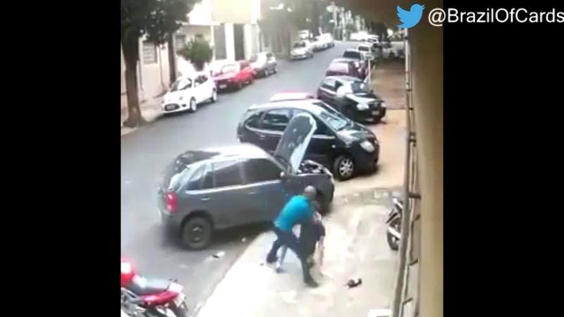 Policial civil é espancado após dá um tapa nos rosto de um mecânico, no Paraná