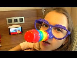 Вики шоу обманывает маму и папу вика врунишка челлендж fiber (новое видео клип viki show)